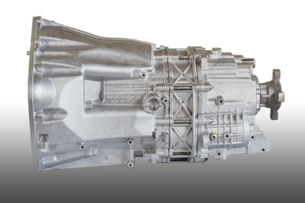 Mercedes-Benz Sprinter 3.0 V6 CDI 6-v. manuaalivaihteisto 711.660